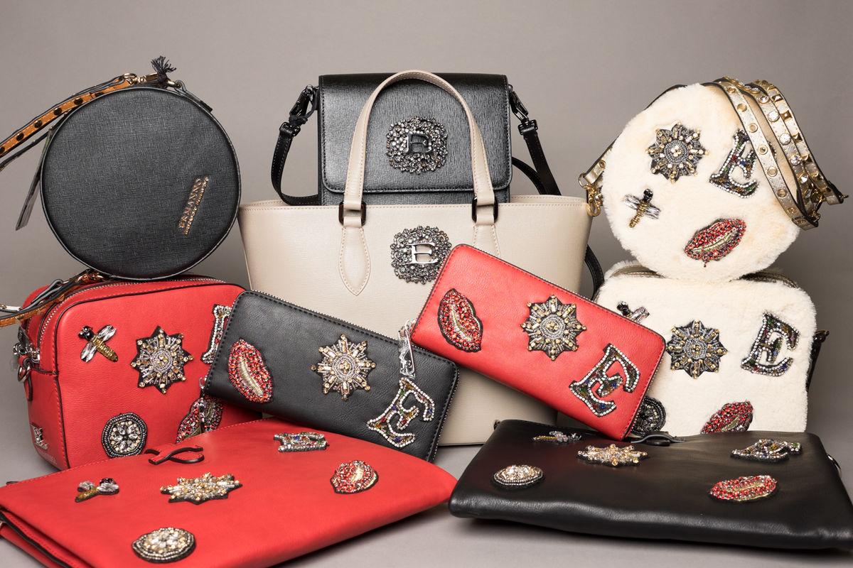 ee384300103e Зимняя коллекцияя сумок ERMANNO SCERVINO как будто специально сделана для  новогодних праздников! Таких нарядных сумок мы ещё не видели.