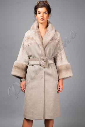 3741fbc2b66 Роскошное пальто с натуральным мехом из Италии