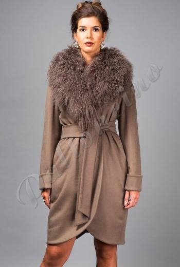 580c5afbb5c Пальто зимнее с мехом ламы