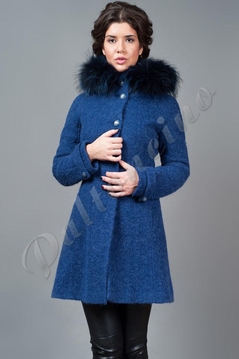 Пальто из мохера с капюшоном